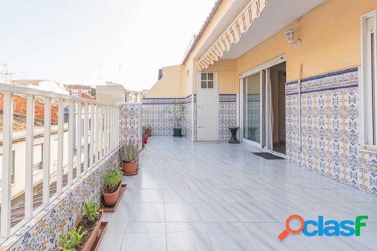 Ref. 03713 - Exclusiva - piso con gran terraza y ascensor,