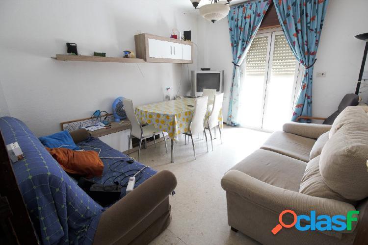 Ref: 5803. Piso de 3 dormitorios y 2 baños con calefacción
