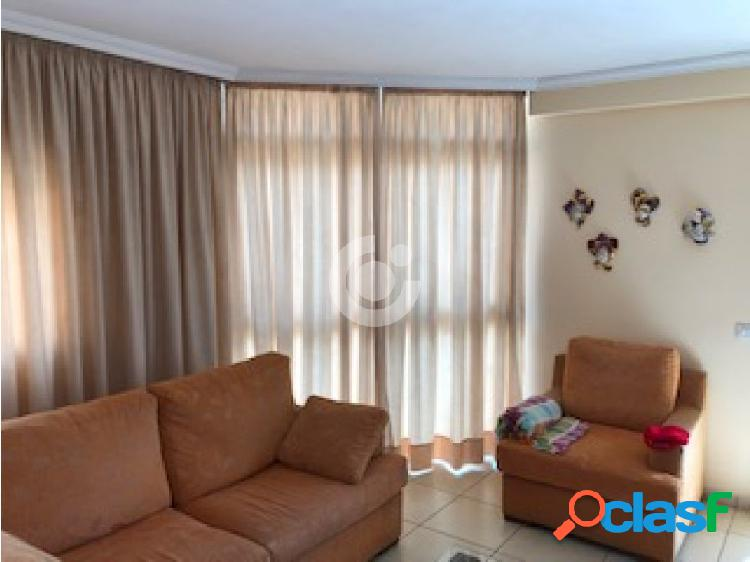 Se Vende Amplio Apartamento en San Isidro de Abona