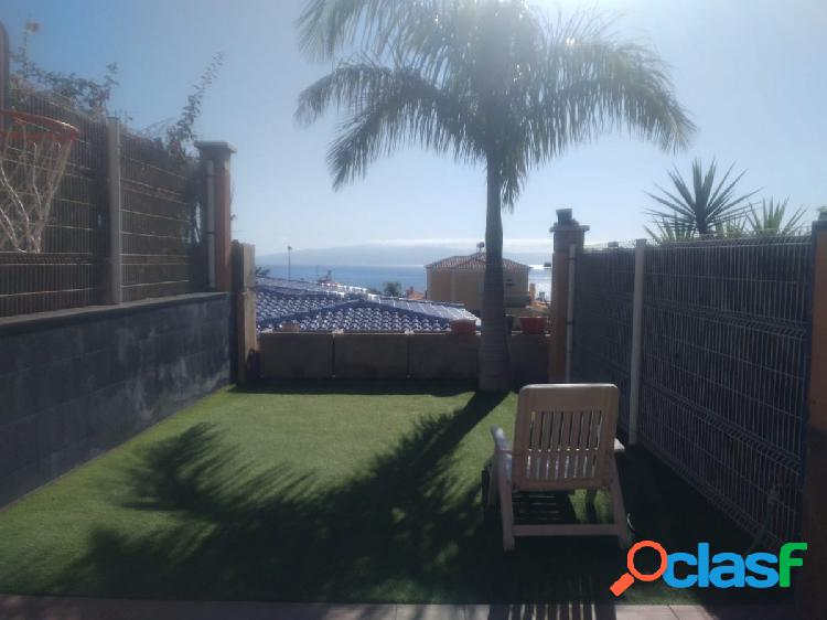 Se alquila adosado en Playa Santiago
