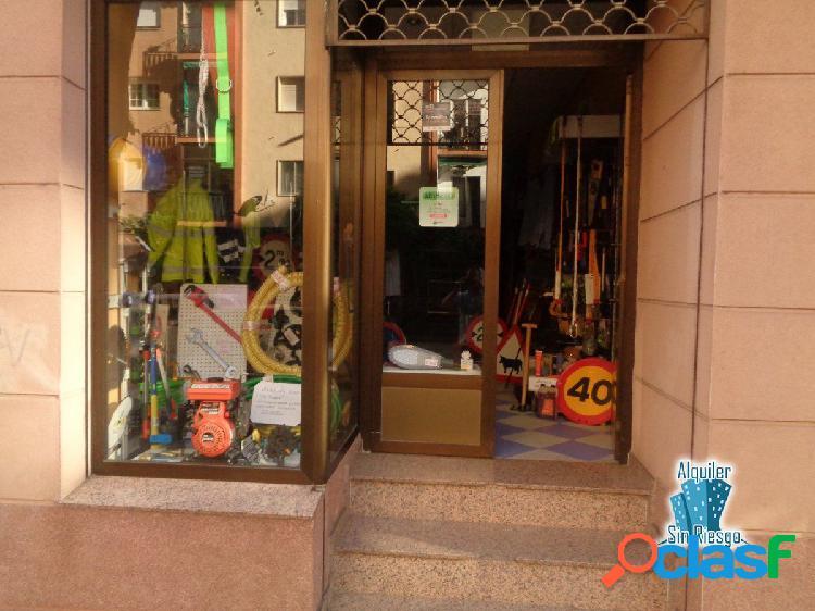 Se alquila local comercial en Zona Centro