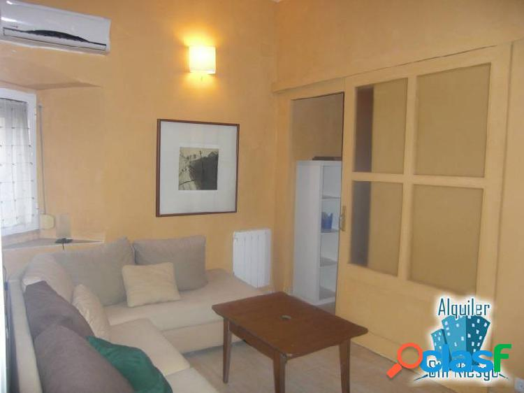Se alquila o se vende apartamento en Parte Antigua