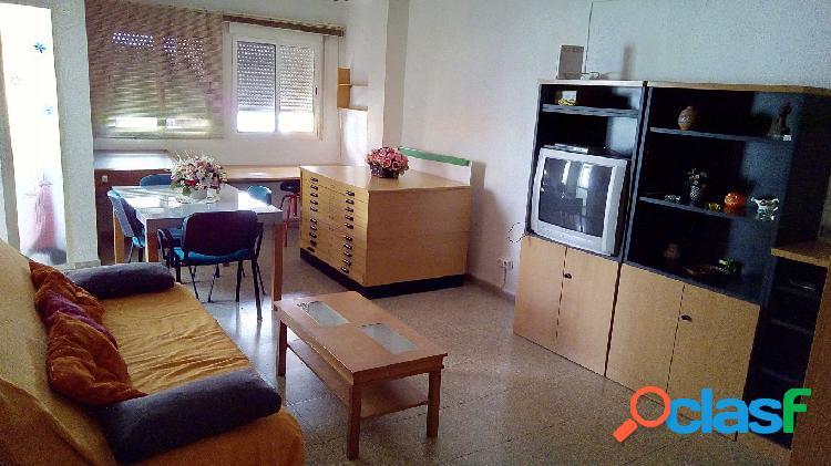 Se alquila piso en Santa Rosa PARA ESTUDIANTES