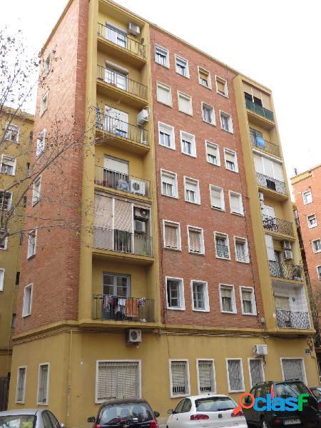 Se vende piso en calle Jurats con ascensor