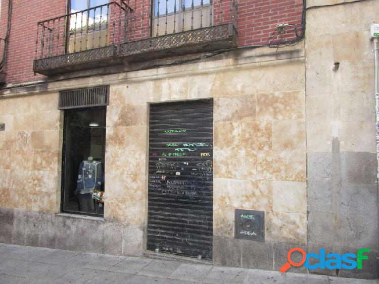 Urbis te ofrece un local comercial en zona Centro,