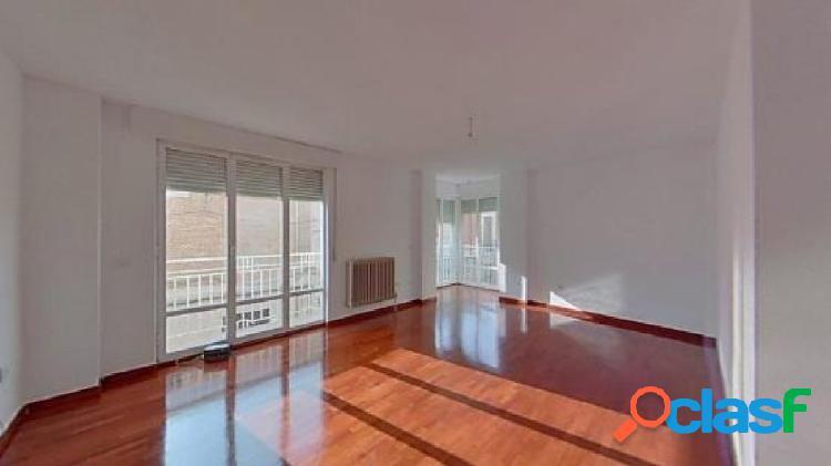 Urbis te ofrece un piso en Peñaranda de Bracamonte