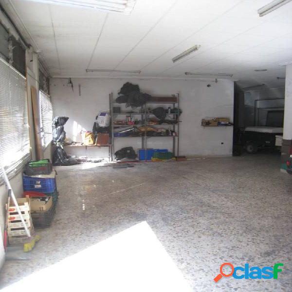 VENTA DE LOCAL O GARAGE DE APARCAMIENTO EN PLENO CENTRO DE