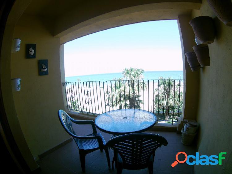Venta de apartamento con vistas frontales al mar. 3