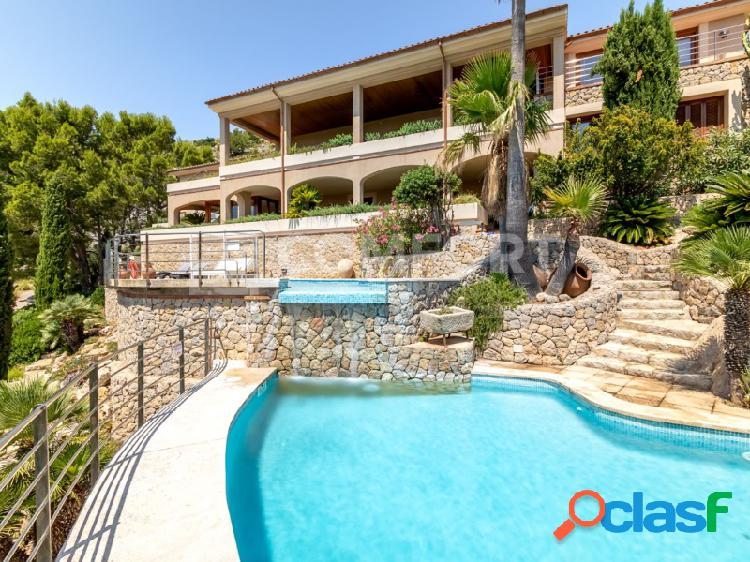 Villa con impresionantes vistas sobre Bahía de Pollensa y