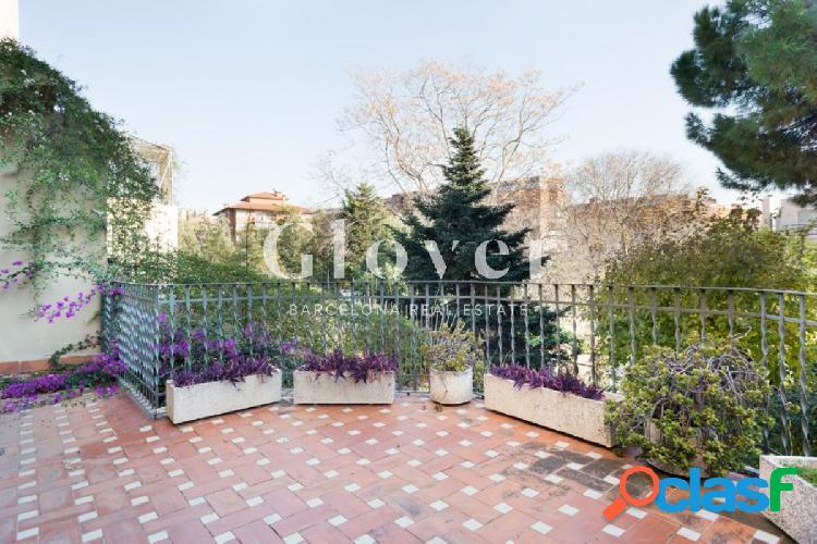 Vivienda única de 4 habitaciones con terraza en Barcelona