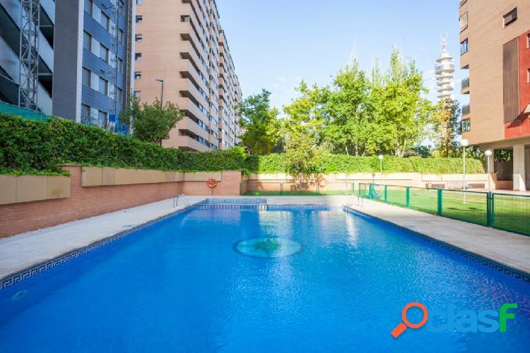 ? Ático dúplex frente a Aragonia- con terraza y 2 plazas