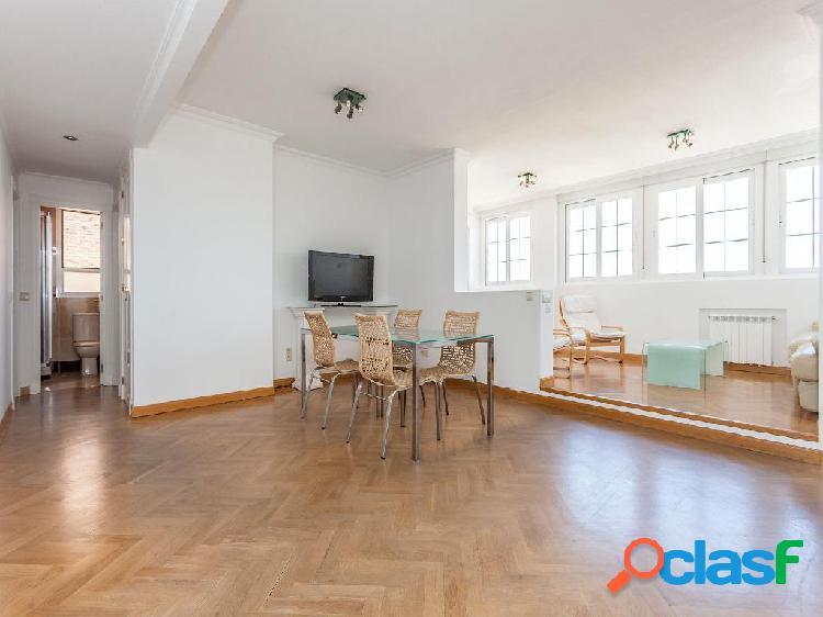 Ático en venta de 202 m2 en Calle Infanta María, 28050,