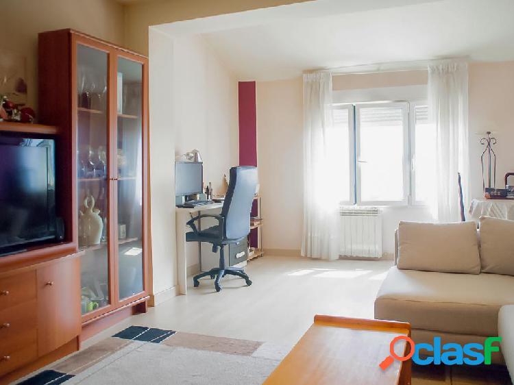 Ático en venta de 80 m² en Calle Cuchillería, 01001