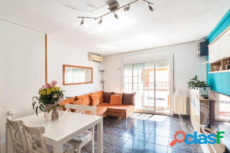 Bonito y céntrico piso en Canet de mar, zona mercado.