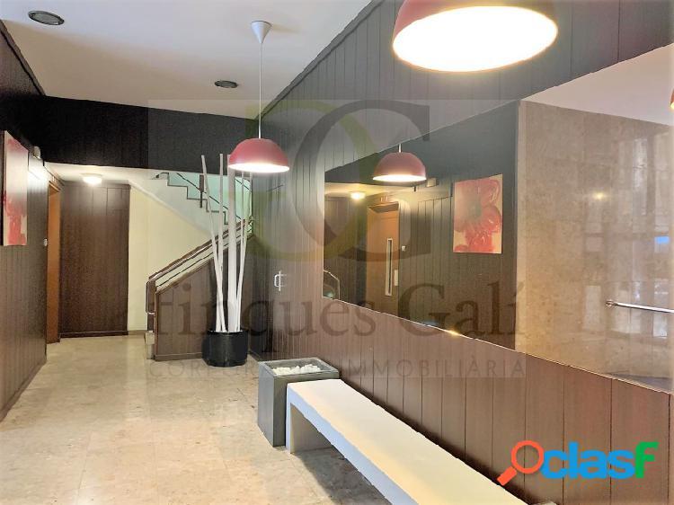 Manresa Centre. Piso de 4 dormitorios 100 m2. Orientación