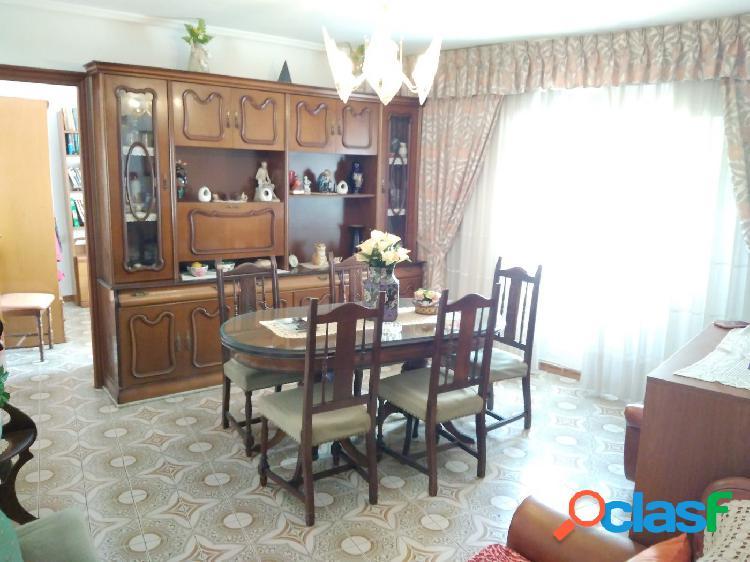 Piso en Xirivella de 82 m2 con 4 habitaciones
