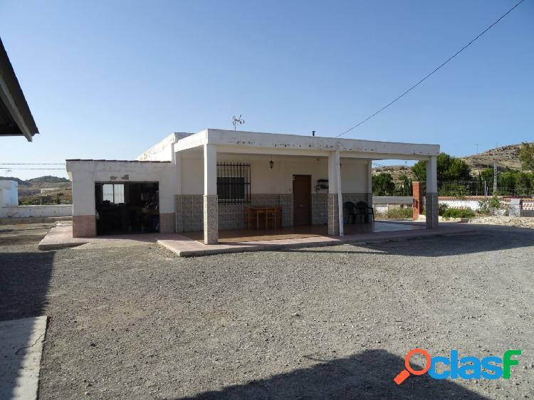 VENTA DE CHALET EN ASPE UBICADO ENTRE ELCHE-ASPE, CON