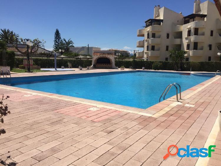 Apartamento en urbanización la Felicidad con piscina