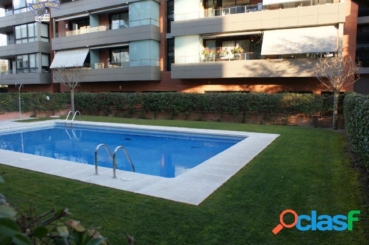 Como nuevo 3 hab, 2 baños, zona comunitaria y piscina