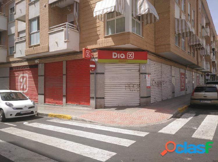 LOCAL COMERCIAL EN ZONA DE ALTA DENSIDAD - Antes