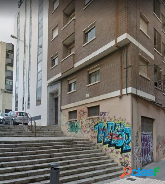 Urbis te ofrece un local en zona Prosperidad, Salamanca.