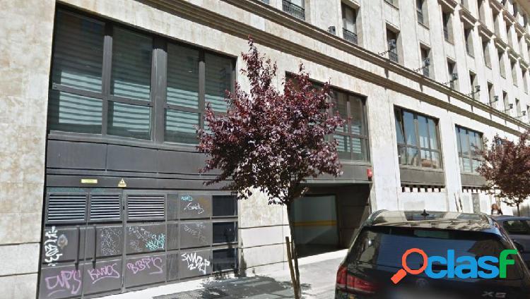 Urbis te ofrece unas plazas de garaje en zona Centro,