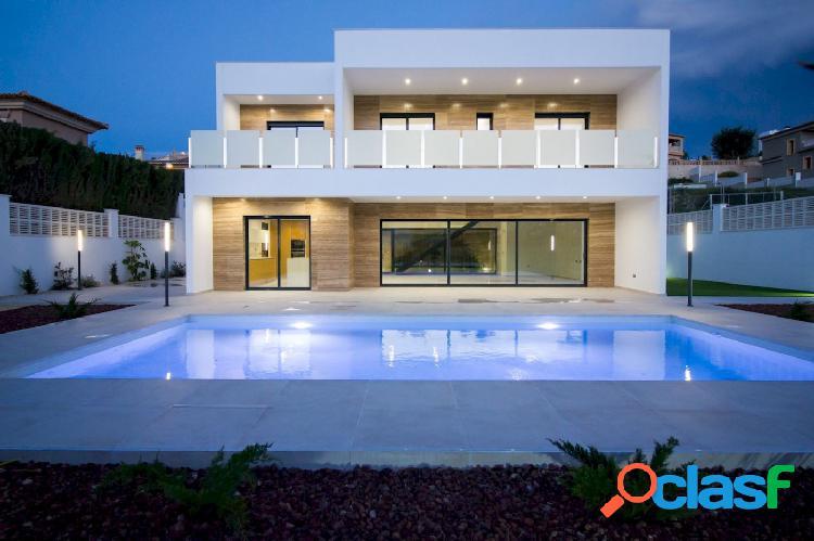 Villa nueva de estilo moderno en venta en Calpe cerca del