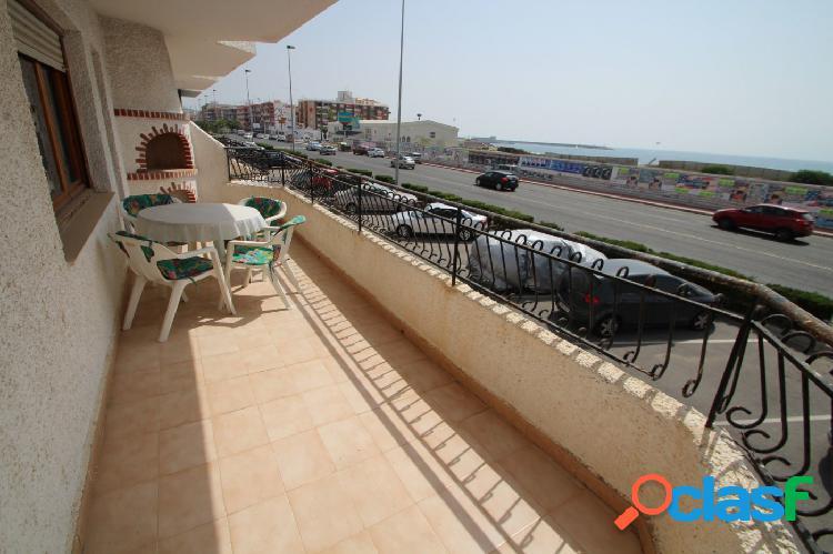 gran piso de 3 dormitorios y 2 baños con vistas al mar y