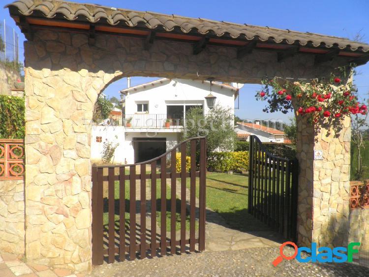 Casa en venta en una zona tranquila y soleada
