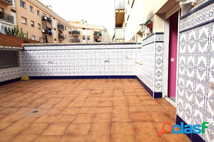 Gran Piso de 4 dormitorios con pk en El Tancat