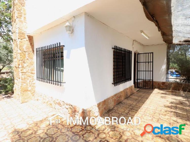 Chalet en venta en Náquera con 3 dormitorios y 1 baños