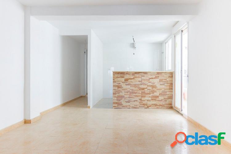Coqueto piso recién reformado