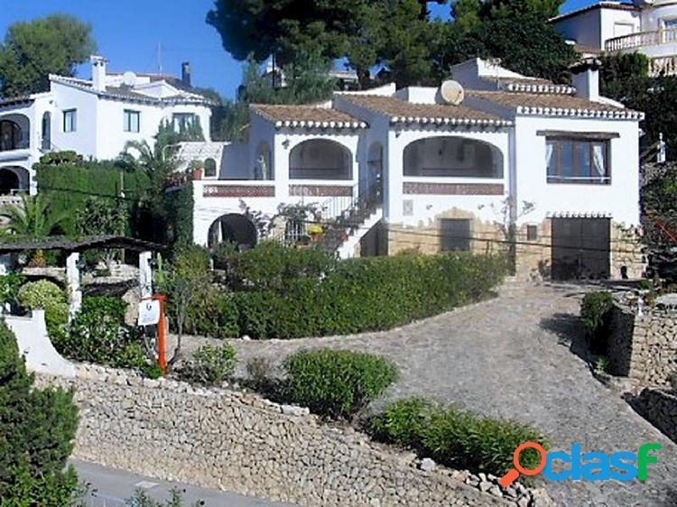 En venta Villa de estilo mediterráneo en la costa de