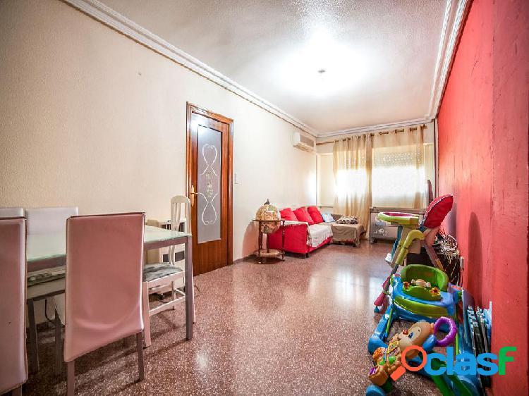 Piso en venta de 90 m2 en Calle Maisonave, Pinós