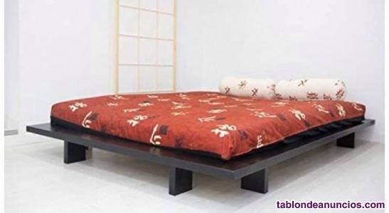 Cama japonesa con su colchón