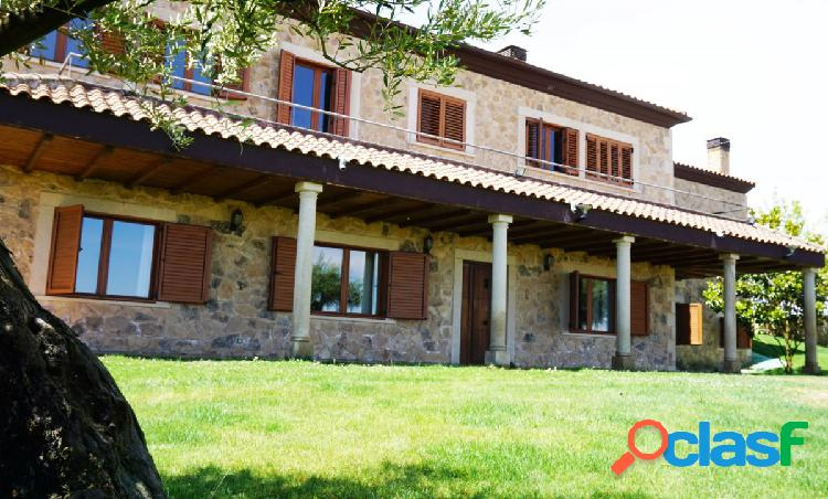 Urbis te ofrece una espectacular casa en Urbanización El