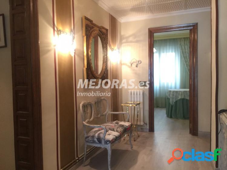 Piso en alquiler zona Centro 3 dormitorios, 2 baños y