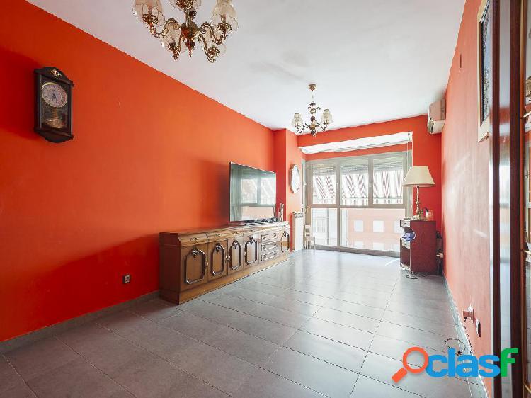 Piso en venta de 105 m² Calle de la Silvina, 28041 Madrid