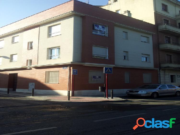 Piso en venta en Guadalajara, Guadalajara en Calle Tirso De