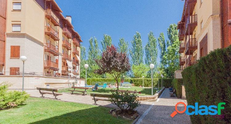 Precioso piso en urbanización con piscina