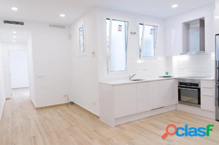 Precioso piso reformado en venta en Poble Sec
