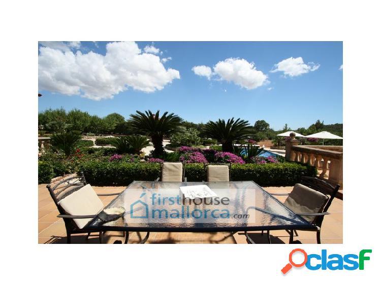 Chalet en el campo con piscina en venta. Bunyola. Mallorca