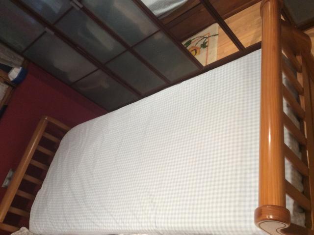 Sofá cama nido madera maciza. Color miel