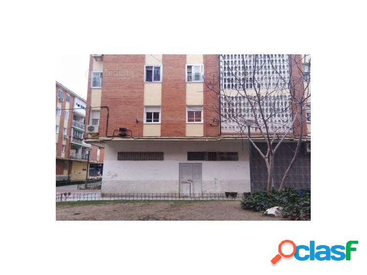 VENTA DE LOCAL COMERCIAL EN PARLA (MADRID)