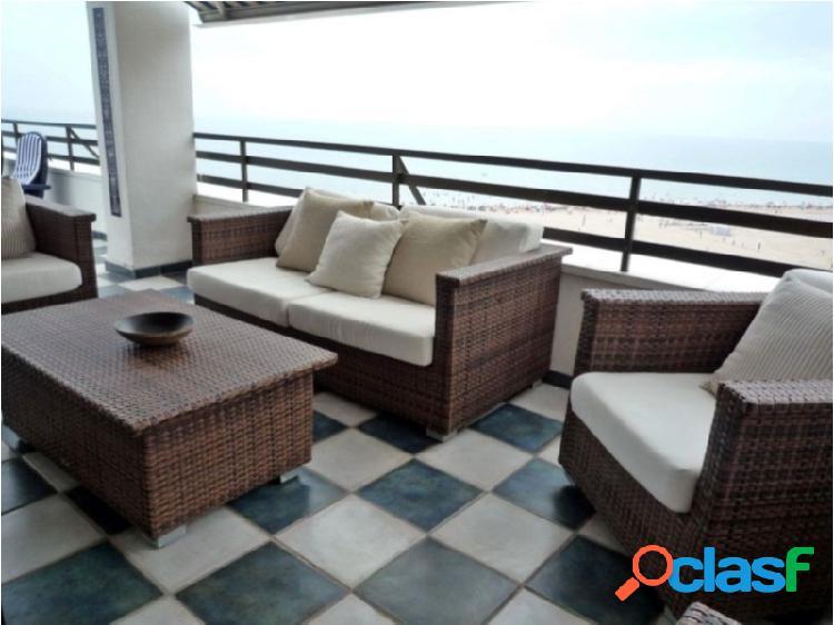 apartamento en primera linea de playa en el Gandia