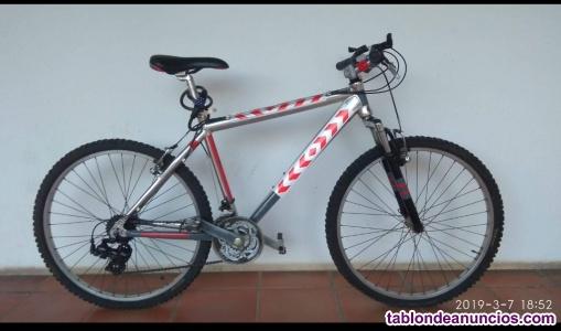 Bicicleta de montaña/paseo en aluminio,