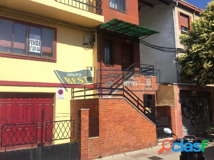 Casa para reformar en el barrio de El Ejido.