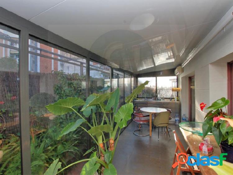 Espaciosa oficina de 107 m2 en Sarrià.