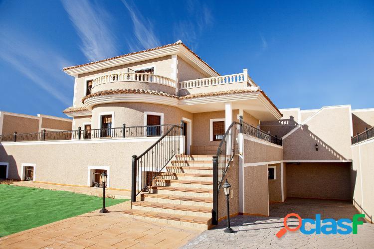 Villa de estilo mediterráneo en Los Altos, Torrevieja