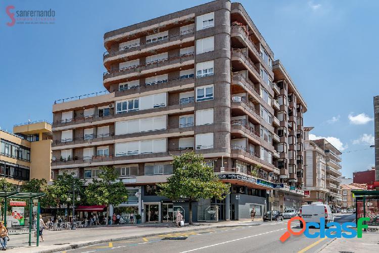 Piso en el centro de Torrelavega con 3 habitaciones.